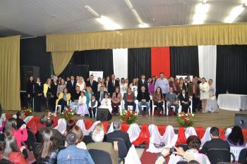 20 casais oficializaram a união no III Casamento Coletivo